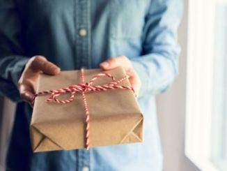 Geschenkideen Ratgeber: Über das Geschenke verschenken und versenden